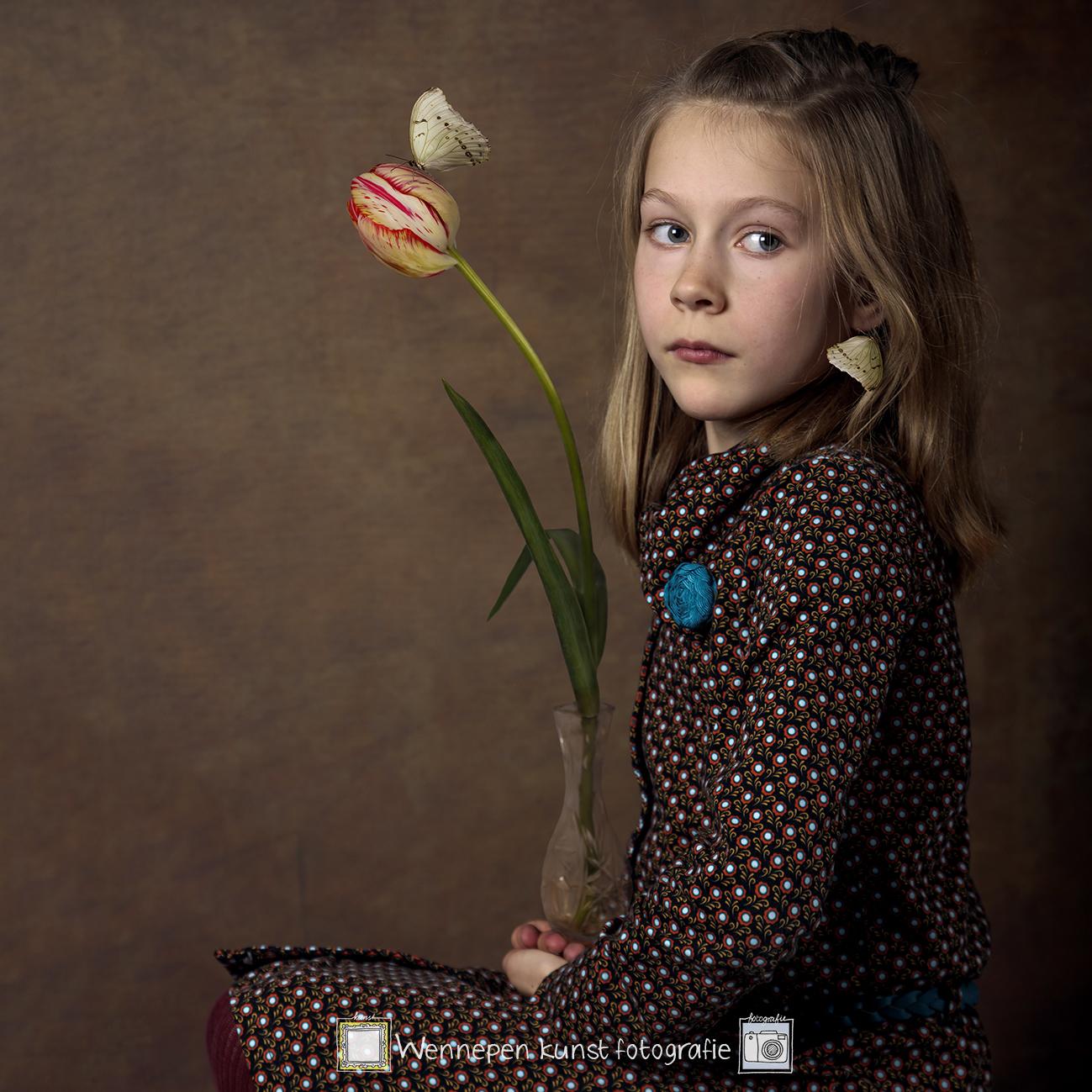 meisje met vlinder