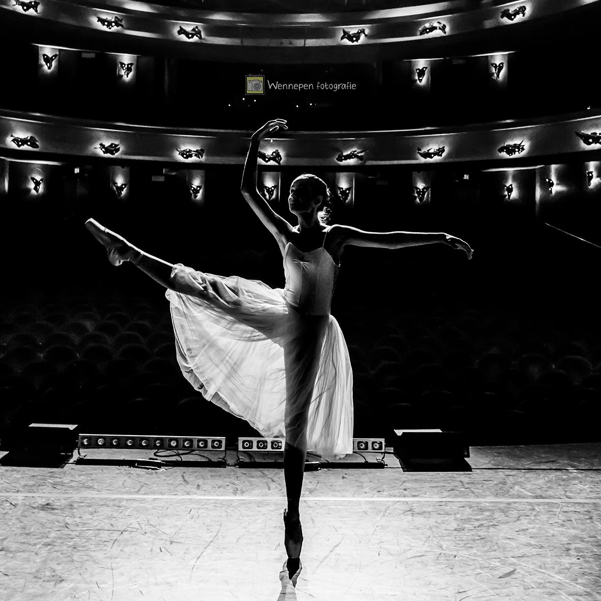 Vrij werk ballet op locatie - copyright by Wennepen